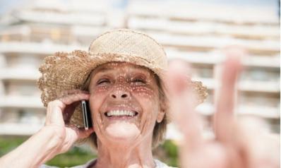 Solitude des personnes âgées: partir en vacances pour rompre l'isolement