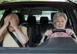 seniors conduire voiture